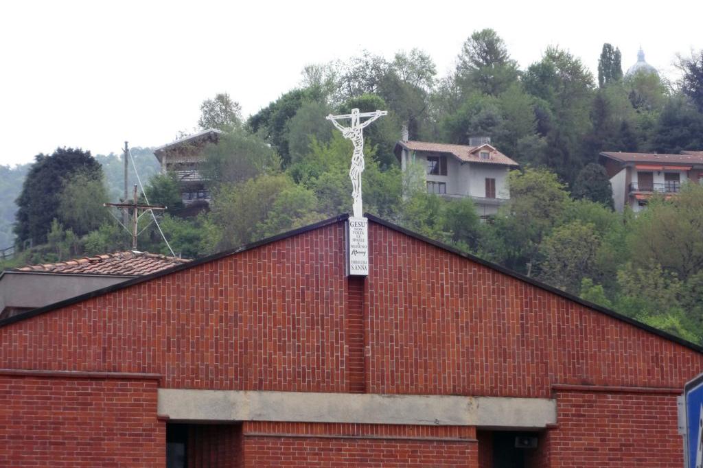 LPT-scultura-beniamino-antonello-parrocchia-sant-anna-san-mauro-torinese-arredo-urbano